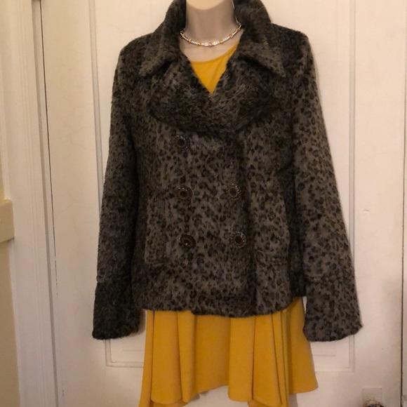 BKE Jackets & Blazers - Beautiful faux fur BKE jacket S